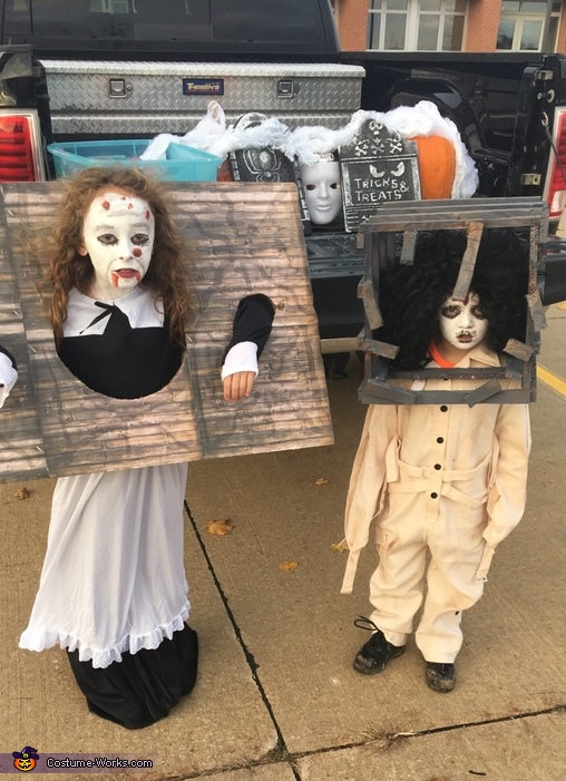 sc 1 st  Costume Works & 13 Ghosts Pilgrimess and Jackal Costume