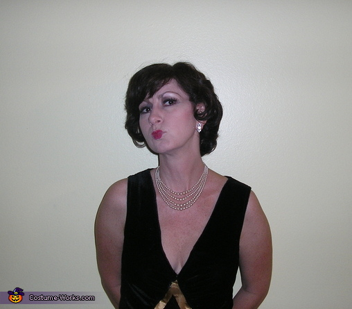 Period hair, makeup and jewelry, 1920's Flapper and Gangster Costumes