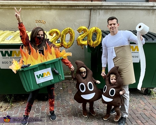 2020: A dumpster fire, crappy year! Costume
