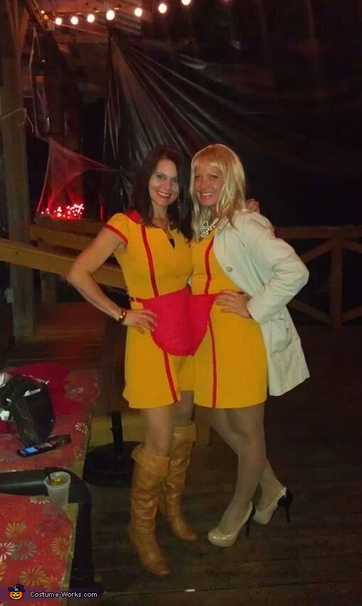 2 broke girls halloween costume   photo 4 6