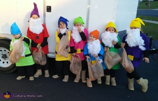 how to make seven dwarfs costumes