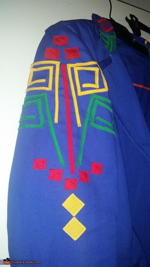 sleeve detail, 90s Queen Latifah Costume