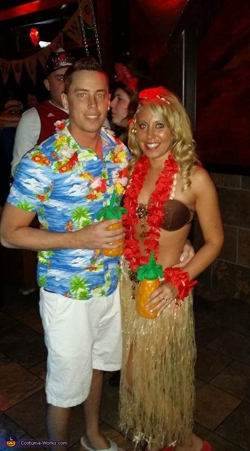 Tanned up Hawaiian Couple Costume