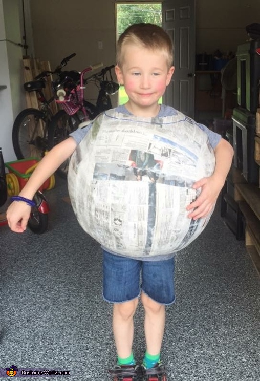 Finished building the Earth, A Family of Planets Costume