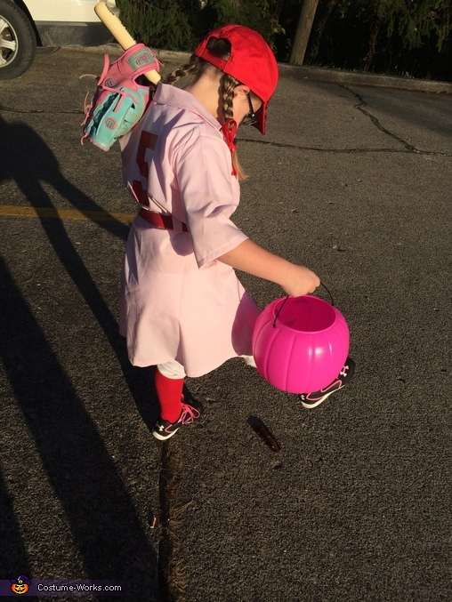 Just Kickin' Dirt, A Rockford Peach Costume