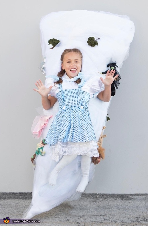 "A ""Twist"" on The Wizard of Oz Costume"