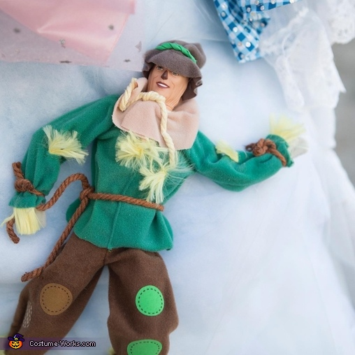 """A """"Twist"""" on The Wizard of Oz Homemade Costume"""