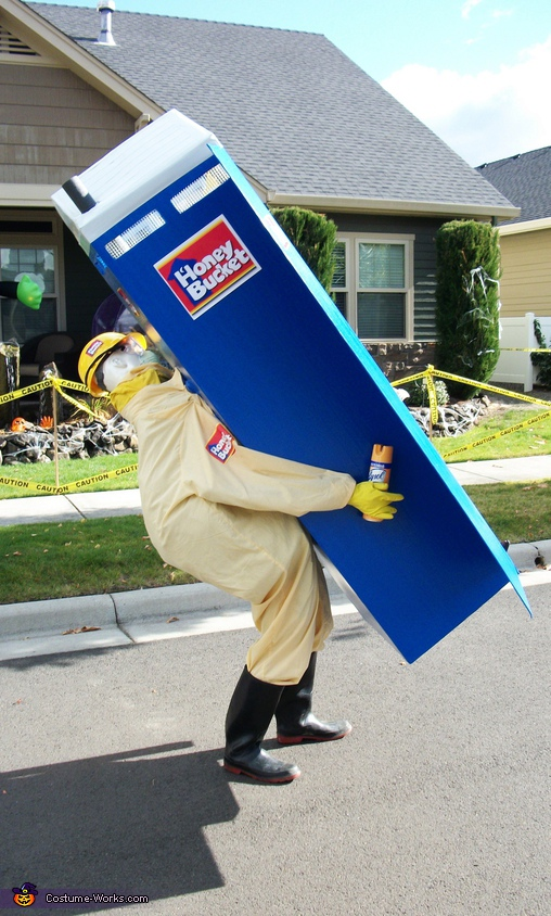 SIDE PROFILE (NOTICE THE CAN OF LYSOL) :), Honey Bucket Costume