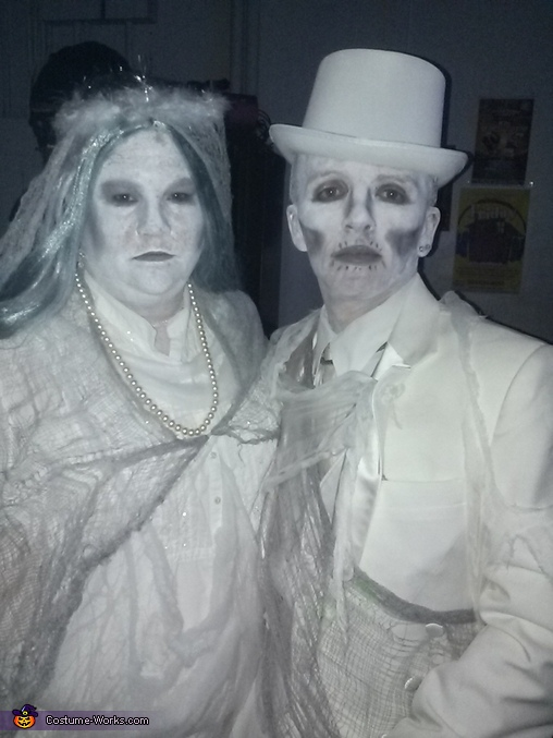 Aborition Couple, Aborition Couple Costume