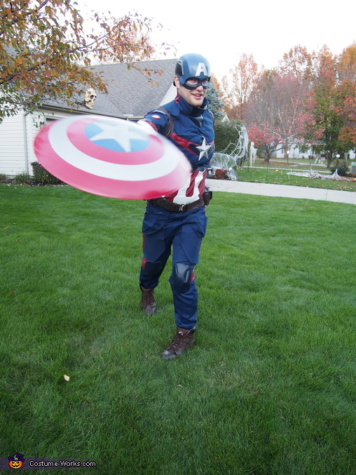 Throwing the shield :), Age of Ultron Captain America Costume