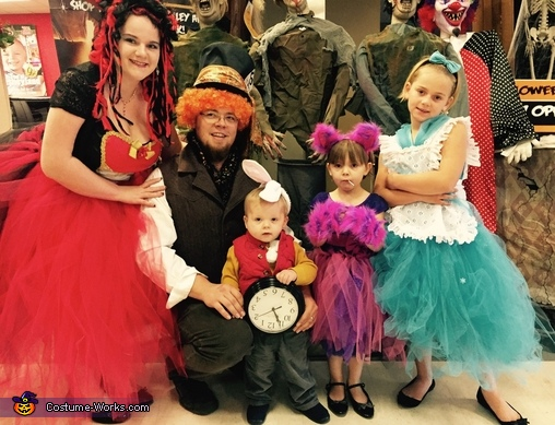 Alice in Wonderland Family Halloween Costume