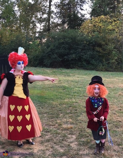 Queen of Hearts & Mad Hatter, Alice in Wonderland Family Costume