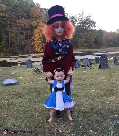 Alice & Hatter, Alice in Wonderland Family Costume