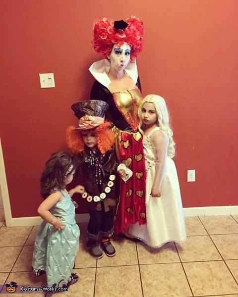 Family Alice in Wonderland Costume