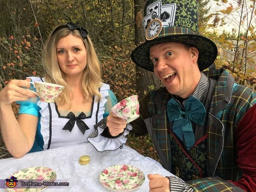 Alice and the Mad Hatter, Alice in Wonderland Costume