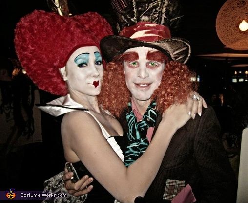 Queen of Hearts and Mad Hatter. Alice in Wonderland - Homemade costumes for groups
