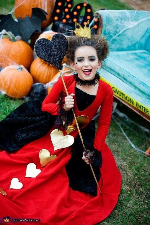 Queen of hearts, Alice in Wonderland Costume