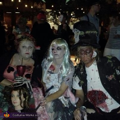 Alice in Wonderland Zombies. Alice the queen and the mad hatter, Alice in Wonderland Zombies Group Costume