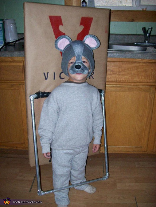 Mouse in a Mouse Trap DIY Costume, Alien Abduction and Mouse Trap Costumes