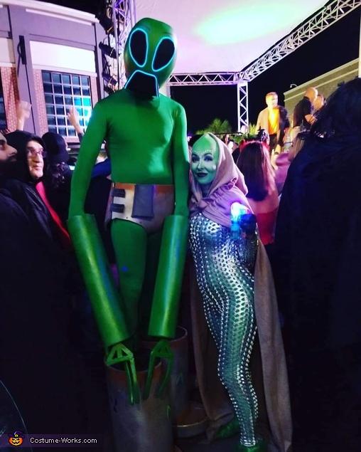 Aliens, Alien Family Costume