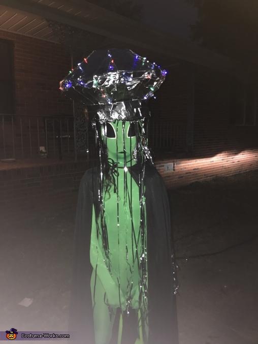 Alien life, Alien Spaceship Costume