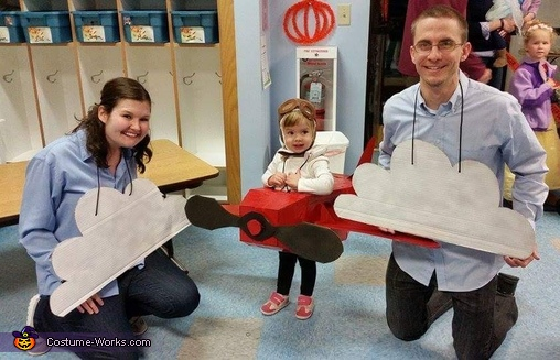 Amelia Earhart Airplane Costume   DIY