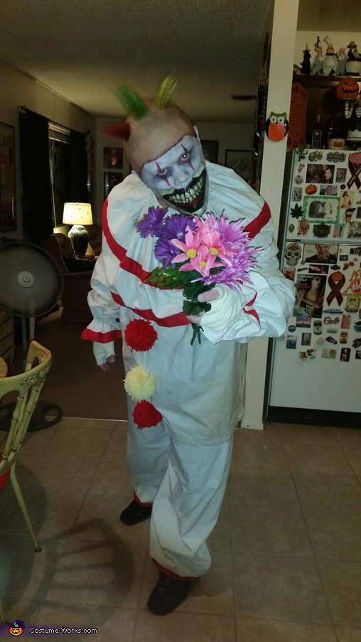 Twisty the Clown (American Horror Story), Twisty the Clown Costume