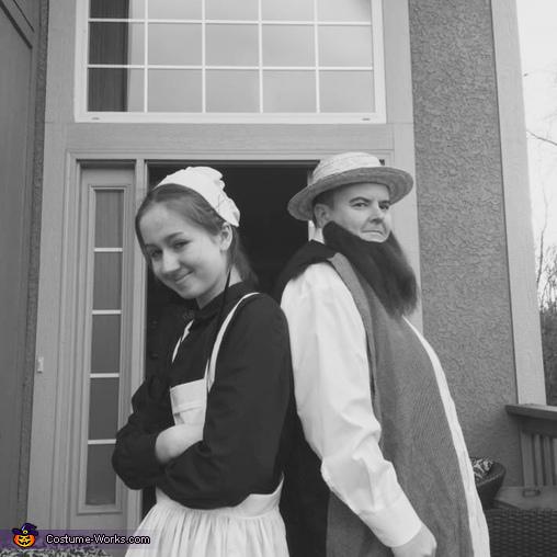 The original!!, Amish Couple Costume