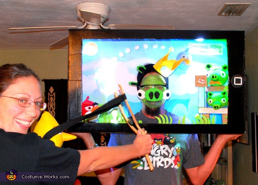 Will I get 3 Stars?!, Angry Birds Playing iPad Couple Costumes