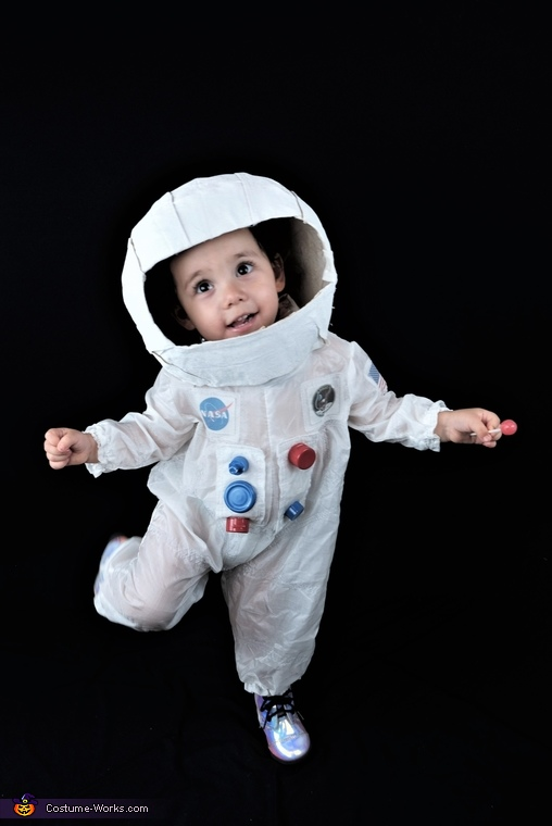 Moon Walk 2, Apollo 11 Team Costume