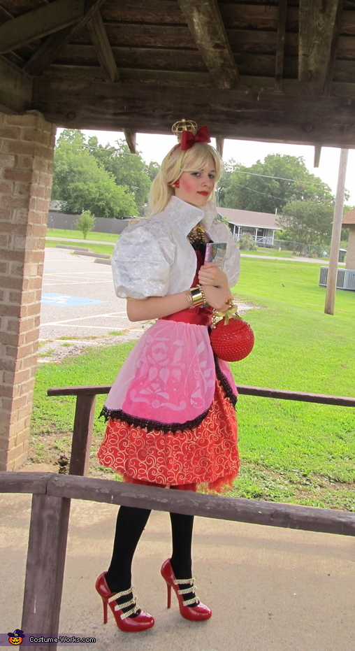 Apple White daughter of Snow White Costume