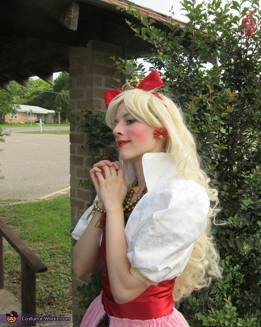 Come my birdie friends, Apple White daughter of Snow White Costume