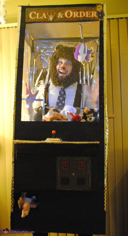 Claw & Order, Arcade Mania Costume