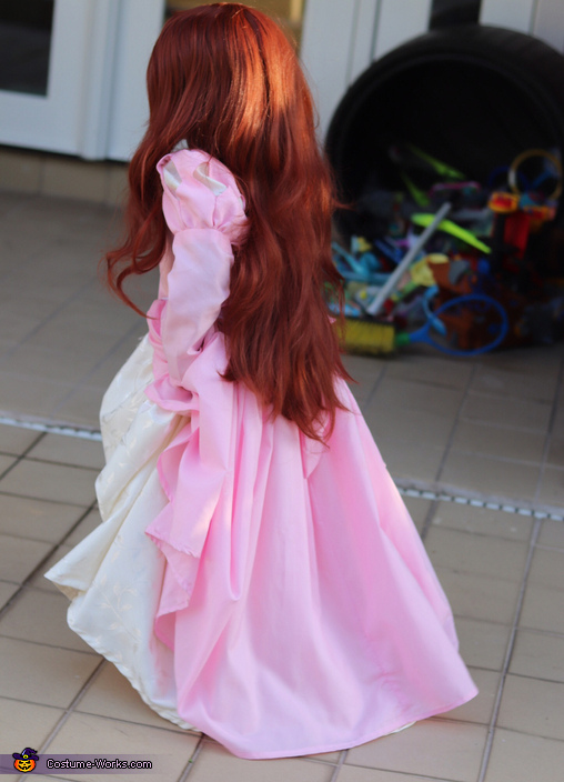 Ariel back view, Ariel in Pink Costume