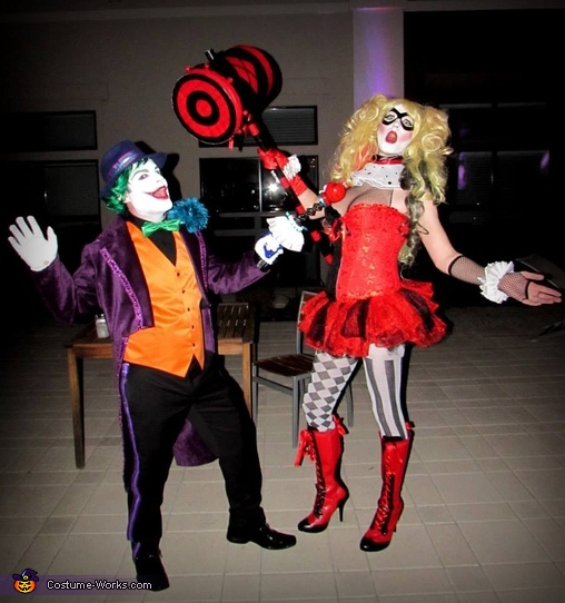 The Joker and his Girlfriend Harley Quinn clowing around, Arkham City Villains Group Costume