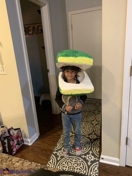 Figuring out how to keep the mouth open and take weight off, Audrey 2 Costume