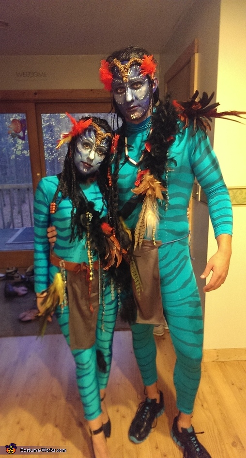 Body Painting Show >> Avatar Couple Halloween Costume