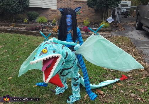 Avatar Neytiri riding Banshee Costume