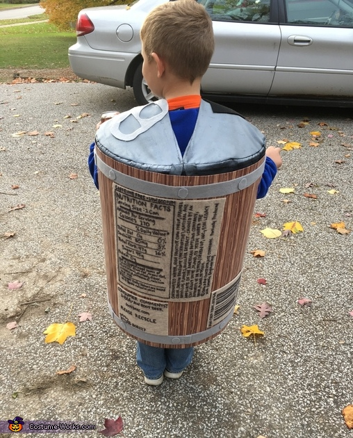 Back of the root beer can, A&W Root Beer Can Costume