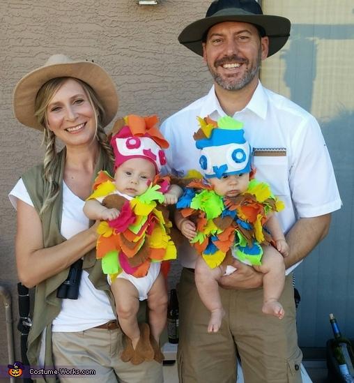 Baby Birds and Bird Watchers Costume  sc 1 st  Costume Works & Baby Birds and Bird Watchers Family Halloween Costume