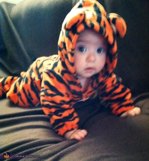 Tigger 3, Baby Chili Pepper Costume