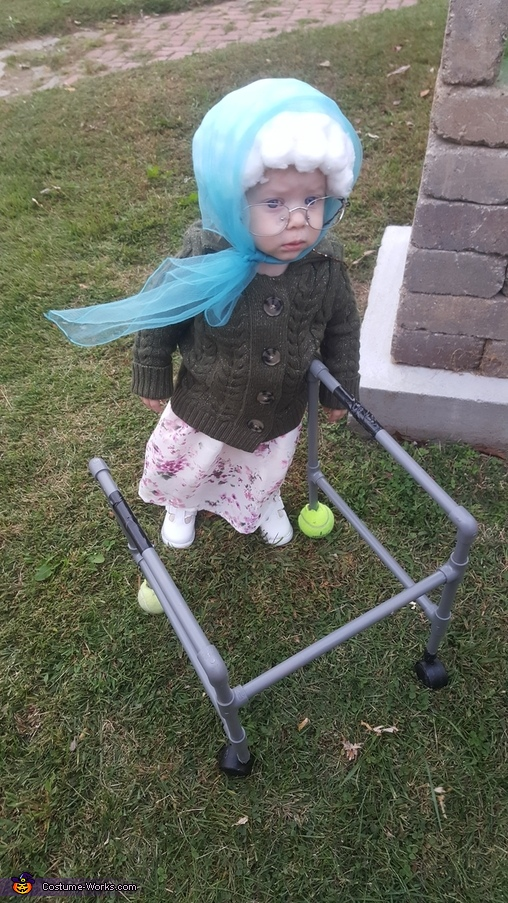 Baby Grandma Costume Idea