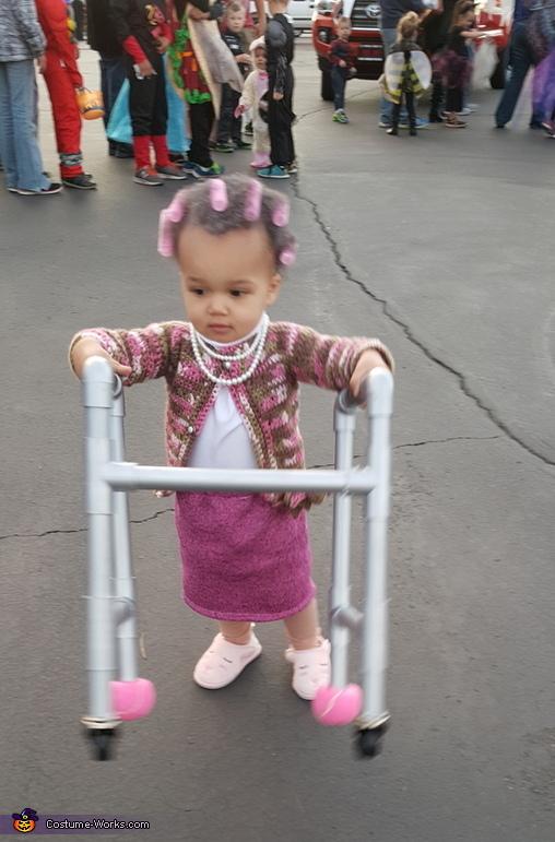 Baby Grandma Costume DIY