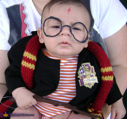 Baby Harry Potter - Homemade costumes for babies