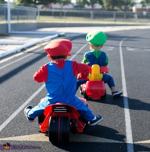 luigi in the lead, Baby Mario Kart Costume
