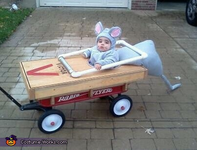 Baby Mouse Caught in Mouse Trap Costume