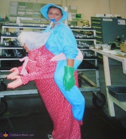 sc 1 st  Costume Works & Baby on Grannyu0027s Back Costume