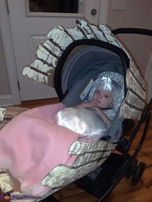 Baby Pearl in a Clam Shell Costume