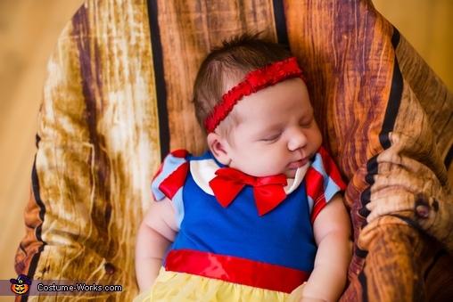Snow White in her deep slumber , Baby Snow White Costume