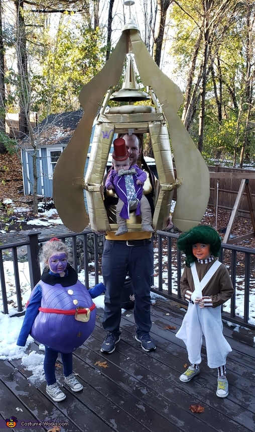 Baby Willy Wonka in the Wonkavator Costume